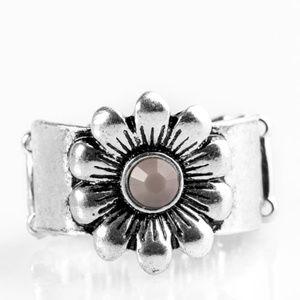 Dreamy Fields Silver Ring